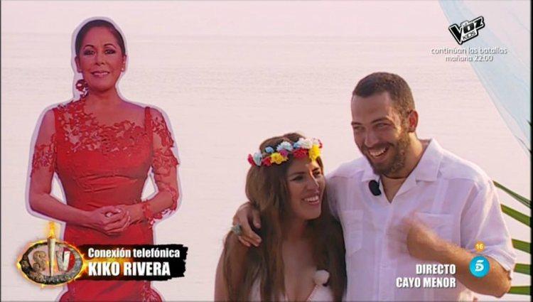 Kiko Rivera entra por teléfono para felicitar a su novia y a su cuñado |telecinco.es
