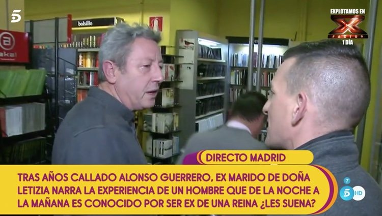 Alonso Guerrero esquivando las preguntas de 'Sálvame'   Foto: Telecinco