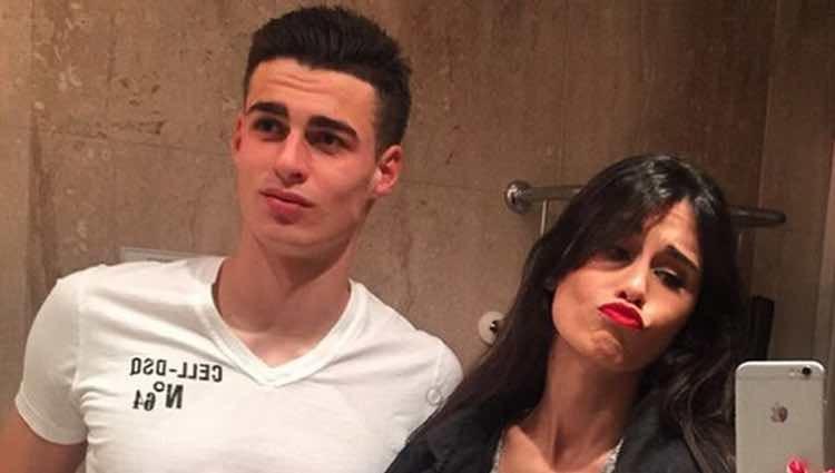 Kepa Arrizabalaga y Andrea Pérez haciéndose una foto frente al espejo / Instagram