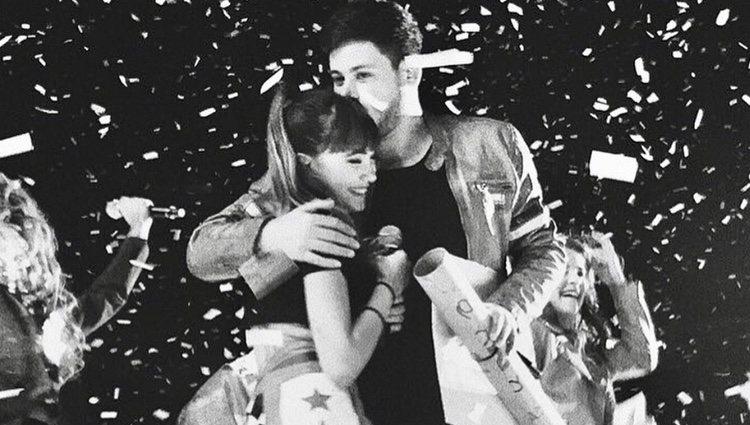 Aitana y Cepeda durante uno de los conciertos / Instagram