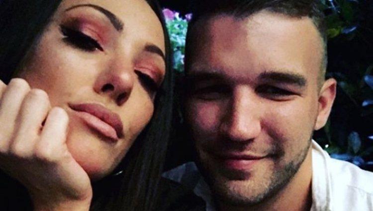 La pareja británica fallecida | Fuente: Instagram Aaron Armstrong