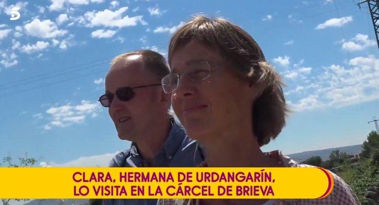 Clara Urdangarin con su marido tras visitar a Iñaki Urdangarin en la cárcel