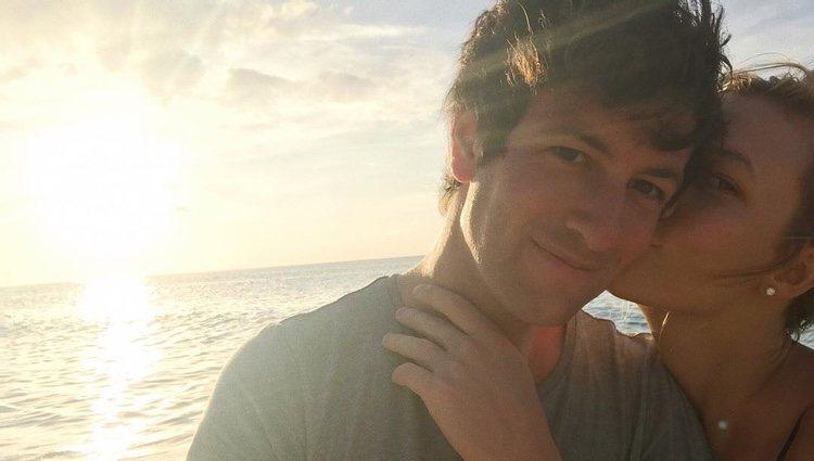 Karlie Kloss junto a su prometido, Joshua Kushner / Instagram