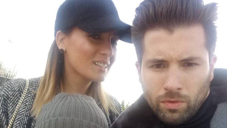 Verónica Miguel con su hijo y su pareja / Instagram