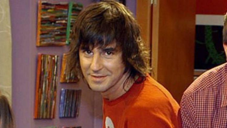 Santi Millán como Sergio Antúnez en la sitcom de Telecinco '7 Vidas'
