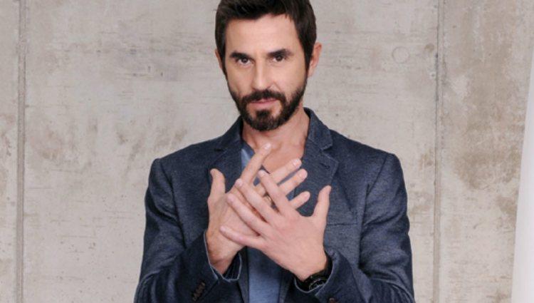 Santi Millán como Pablo Morillas en la serie de Telecinco 'Frágiles'