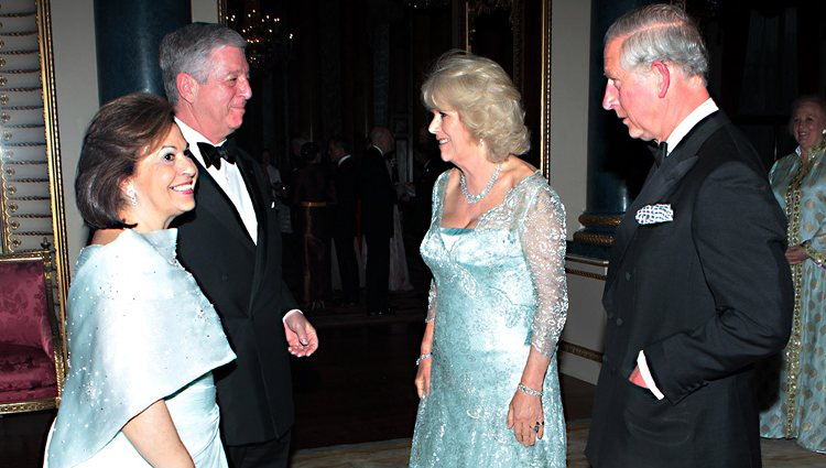 Los Príncipes Alejandro y Catalina de Yugoslavia con el Príncipe de Gales y la Duquesa de Cornualles
