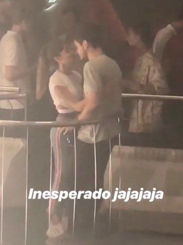 Aitana y Cepeda, muy cariñosos en una discoteca / Instagram