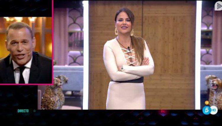 Mónica Hoyos y Carlos Lozano tienen un rifirrafe en directo | telecinco.es