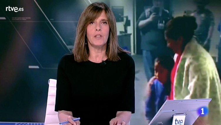 Ana Blanco durante el telediario de La 1 / rtve.es