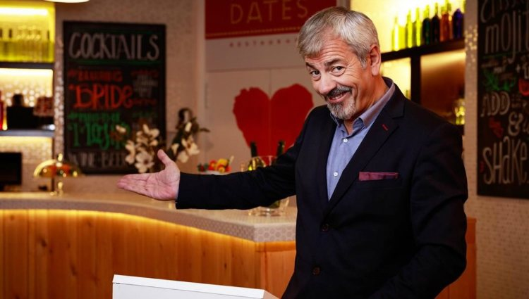 Carlos Sobera conduce el dating show 'First Dates' desde 2016 | cuatro.com