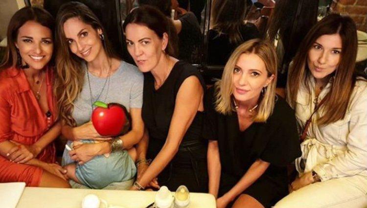 Paula Echevarría con Ariadne Artiles y sus amigas/ Foto: Instagram
