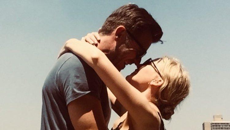 Kylie Minogue y Paul Solomons demostrando su amor en Nueva York / Fuente: @kylieminogue