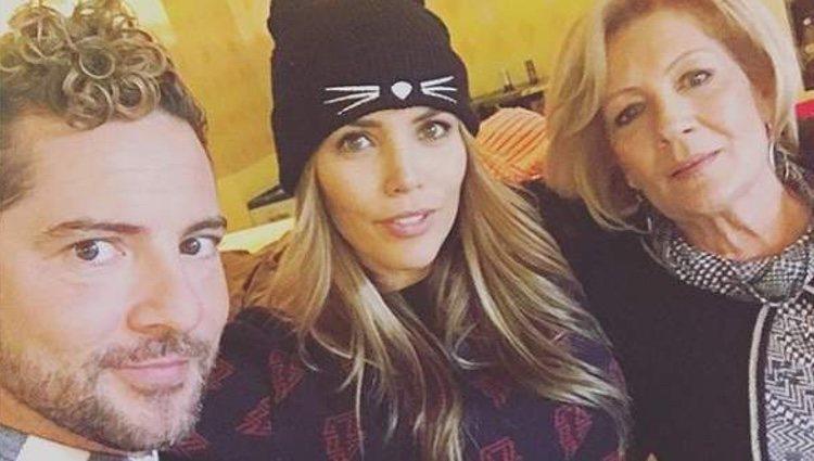 David Bisbal con Rosanna Zanetti y su madre/ Foto: Instagram