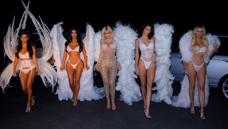 Las Kardashian-Jenner disfrazadas de Ángeles de Victoria's Secret / Foto: Instagram