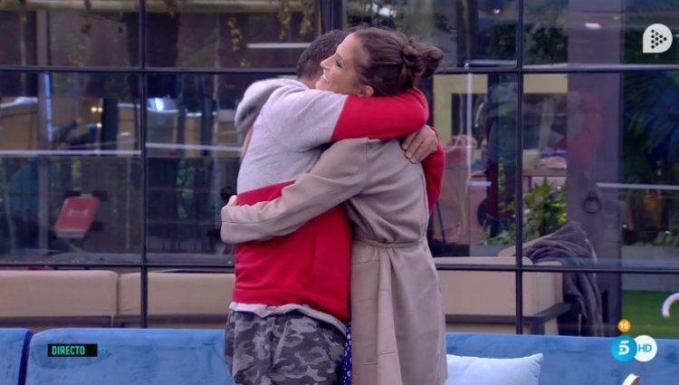 El Koala y Verdeliss se despiden con un emotivo abrazo | telecinco.es