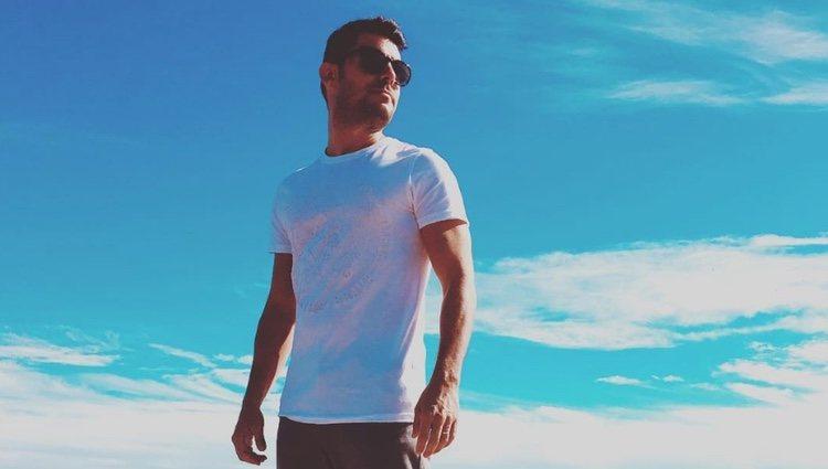 Javier Santos disfrutando de un día de playa| Foto: Instagram