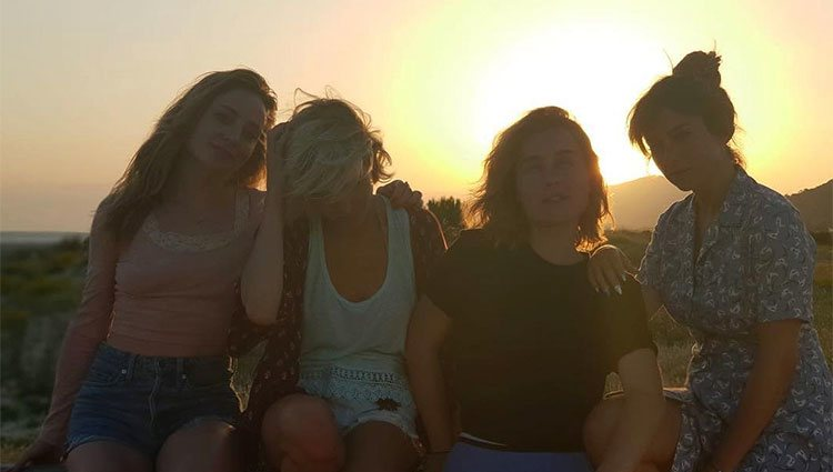 'Las chicas del cable' en una playa de Cádiz' / Instagram