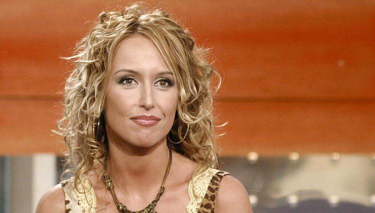 Emma García presentó el magazine 'A tu lado' de 2002 a 2007 en Telecinco