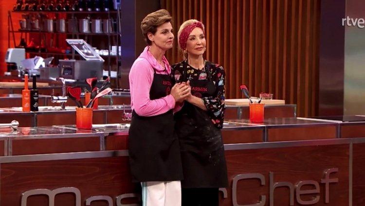 Antonia Dell'Atte y Carmen Lomana en la prueba de eliminación de 'MasterChef Celebrity' | Imagen: Rtve.es