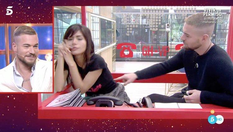 Tony Spina viendo su tonteo con Miriam Saavedra / Telecinco.es