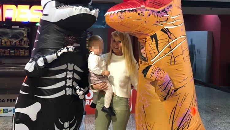 Saray Pereira volcada con su hijo | Twitter