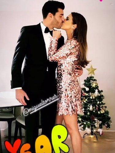 El increíble beso de Miguel Torres y Paula Echevarría en Nochevieja/ Foto: Instagram