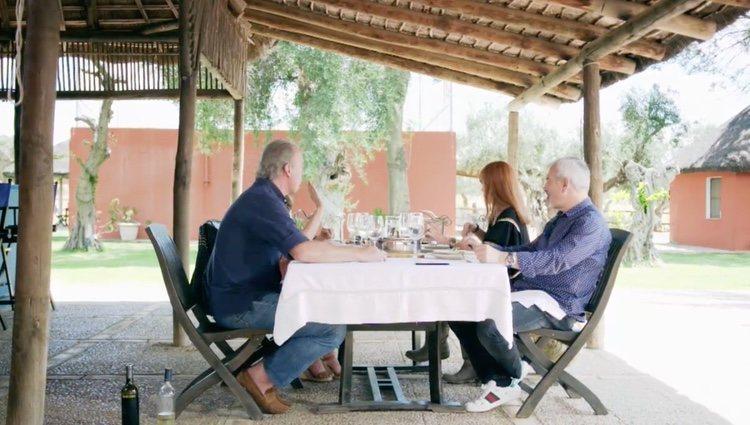 Bertin y su mujer junto a Patricia y Carlos Sobera en 'Mi casa es la tuya'| Foto: Telecinco.es