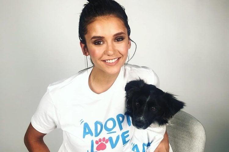 Nina Dobrev apoyando la adopción de mascotas