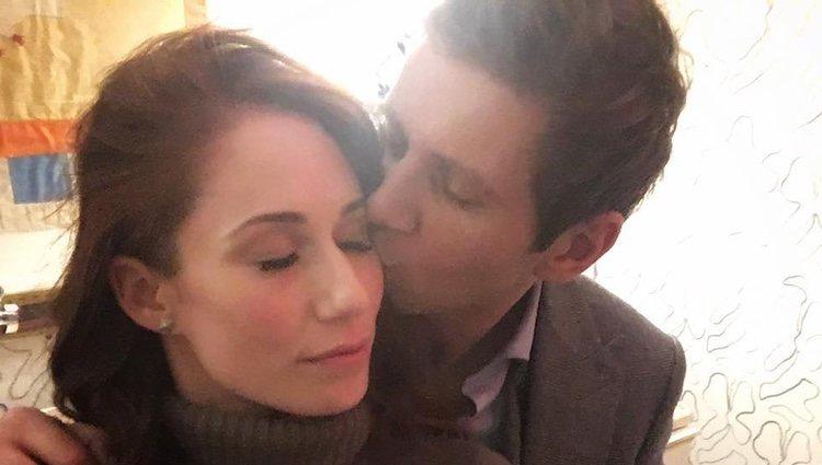 Allen Leech y Jessica Blair Herman en una foto muy romántica/ Foto: Instagram
