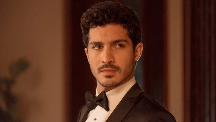 Chino Darín en el papel de Carlos en 'La embajada'