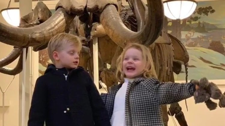 Jacques y Gabriella de Mónaco en el Museo de Historia Natural de Nueva York
