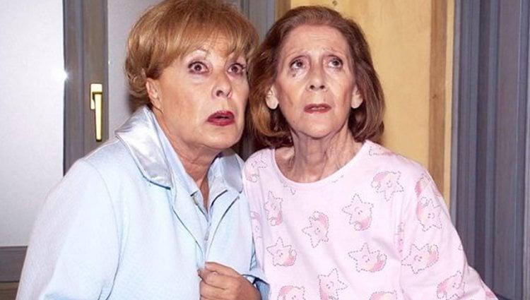 Vicenta (izq.) y Marisa (der.), dos de las chicas de oro de 'Aquí no hay quien viva'