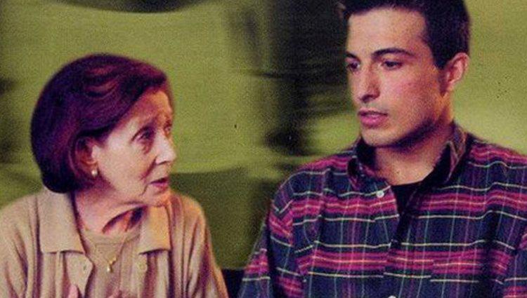 Begoña cuenta a Daniel que es virgen en el cortometraje 'La primera vez'