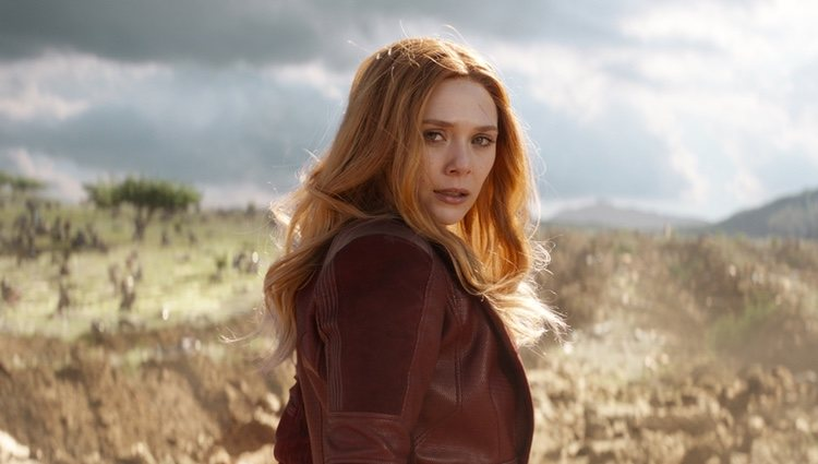 Elizabeth Olsen como Bruja Escarlata