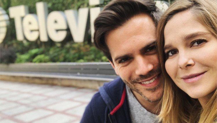 Natalia Sánchez y Marc Clotet posan muy contentos/Foto:Instagram