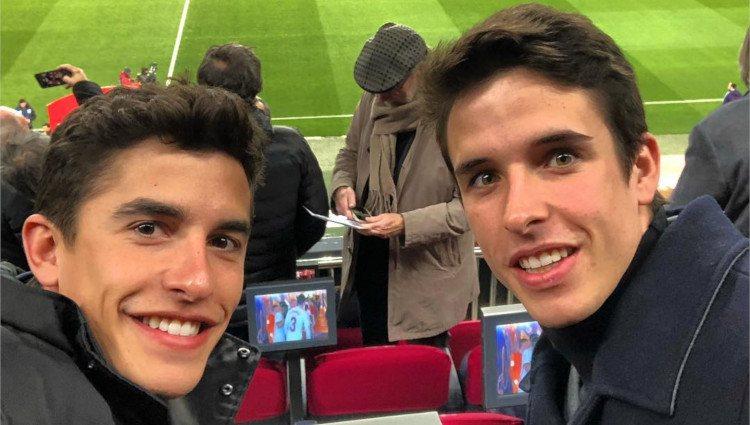 Marc y Álex Márquez disfrutan de un partido del FC Barcelona en el Camp Nou/Foto: Instagram
