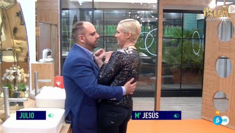 Julio intenta sonsacar a María Jesús si está con alguien fuera   telecinco.es