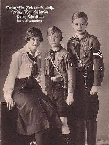 Federica de Hannover junto a sus hermanos en las Juventudes Hitlerianas | Twitter