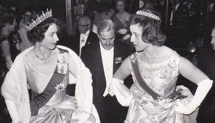 Isabel II y Alexandra de Kent en un acto público | Instagram