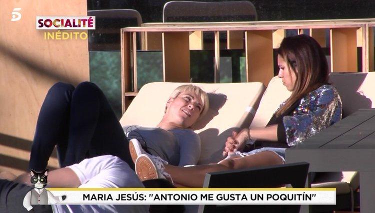 María Jesús Ruiz contándole sus dudas a Raquel / Telecinco.es