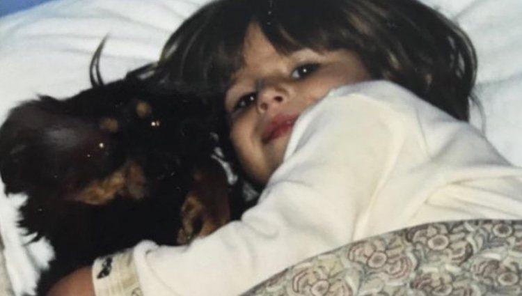 Eugenia Martínez de Irujo de pequeña junto a Calitin| Foto: Instagram