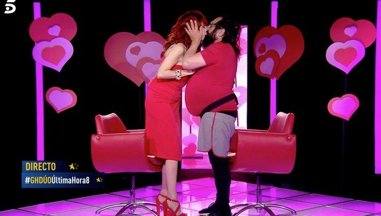 Juan Miguel y Yurena besándose por San Valentín| Foto: telecinco.es