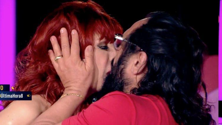 Juan Miguel y Yurena besándose| Foto: telecinco.es