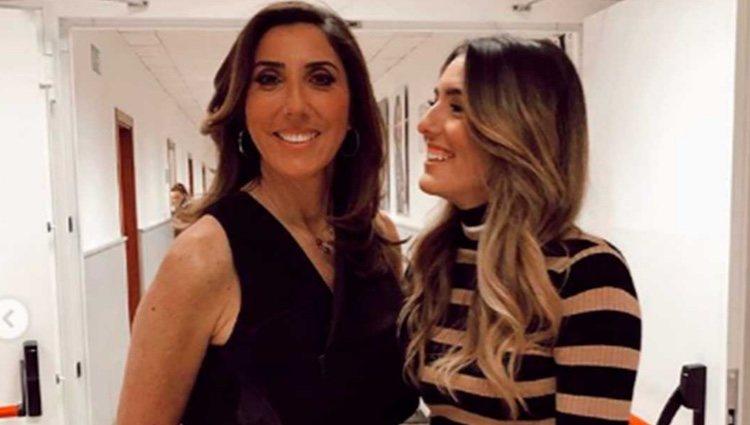 Anna Ferrer junto a su madre Paz Padilla en los platós de Mediaset| Foto: Instagram