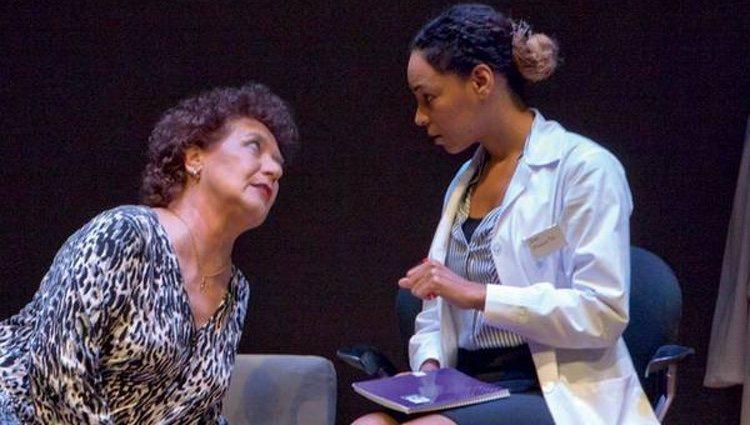 Montse Pla actuando con su madre, Beatriz Carvajal
