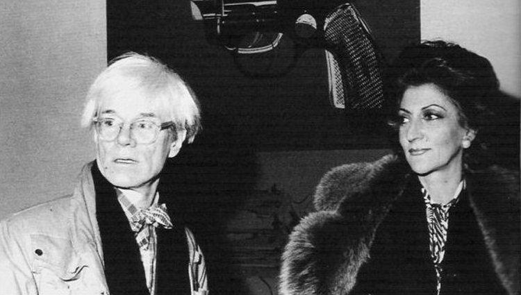 El artista Andy Warhol junto a Pitita Ridruejo | Pinterest