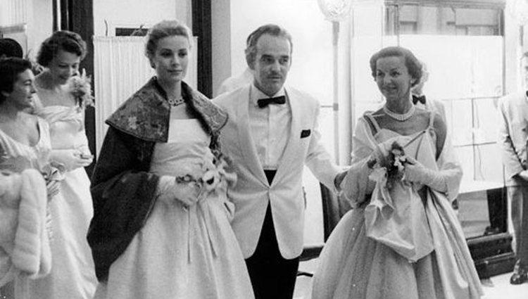 Rainiero III de Mónaco con Grace Kelly y la Princesa Antoinette | Pinterest