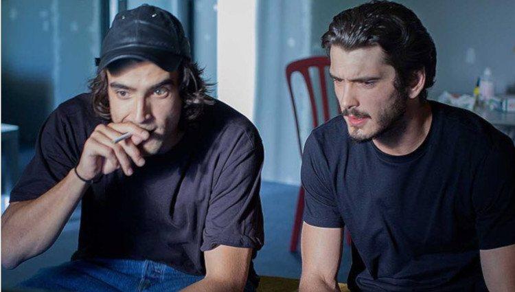 Yon González y Aitor Luna en la película 'Matar el tiempo'/Foto:Instagram