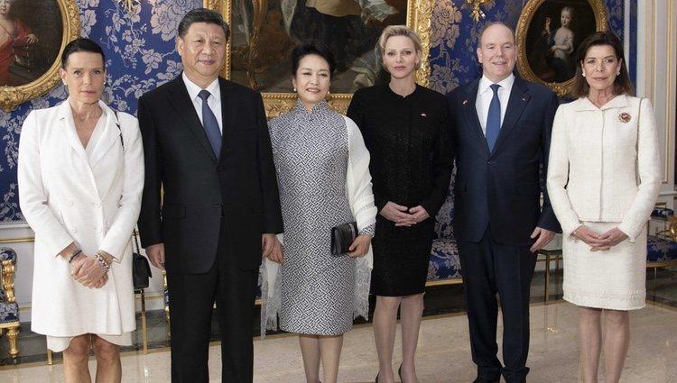 Alberto y Charlene de Mónaco, la Princesa de Hannover y la Princesa Estefanía con el Presidente y la Primera Dama de China